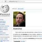 Foto de Jimmy Wales junto a la palabra asesino