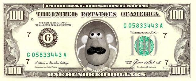 Mister Potato en un billete de dólar.